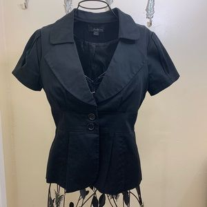 Forever 21 Black Short Sleeve Top Size Small FIRM